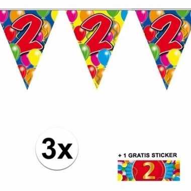 2 jaar vlaggenlijnen 3x met gratis sticker