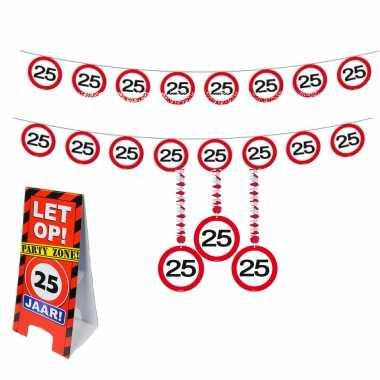 25 jaar feestpakket waarschuwingsbord feestdecoratie