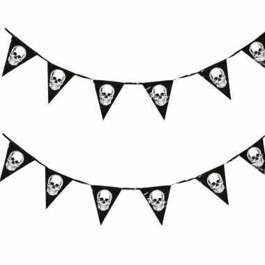 2x halloween vlaggenlijnen met schedels 360 cm