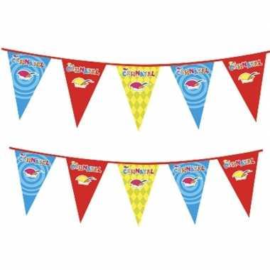 2x plastic carnaval vlaggenlijnen