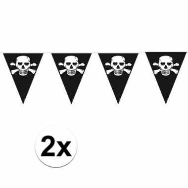 2x stuks piraten versiering vlaggenlijnen