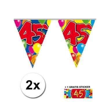 45 jaar vlaggenlijnen 2x met gratis sticker
