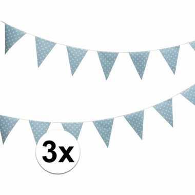 Drie vlaggenlijnen lichtblauw met witte stippen 4 meter
