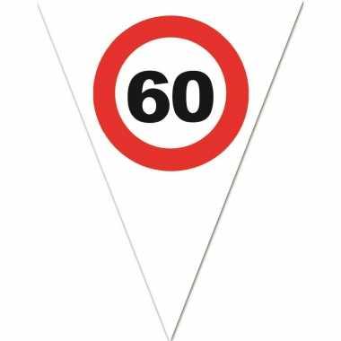 Leeftijd verjaardag vlaggenlijn met 60 jaar stopbord opdruk 5 meter