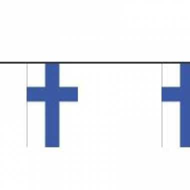 Papieren vlaggenlijn Finland