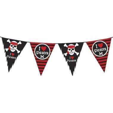 Piratenfeest vlaggenlijn zwart/rood 6 meter